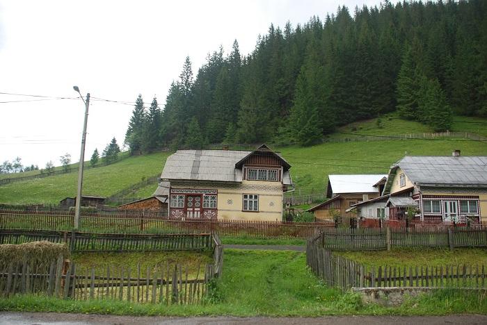 ciocanesti case-suceava-poze-travelblog (17)