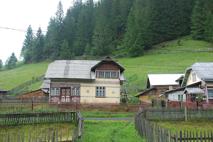 ciocanesti case-suceava-poze-travelblog (18)