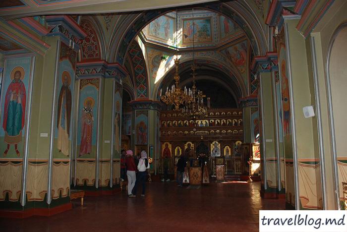 manastirea-noul-neamt-travelblog (13)