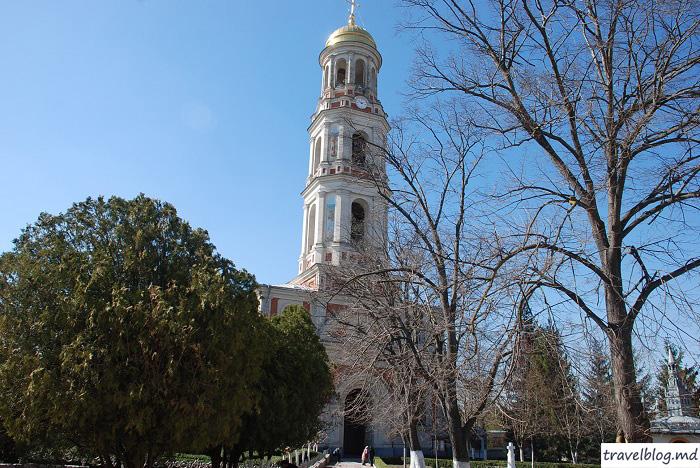 manastirea-noul-neamt-travelblog (18)