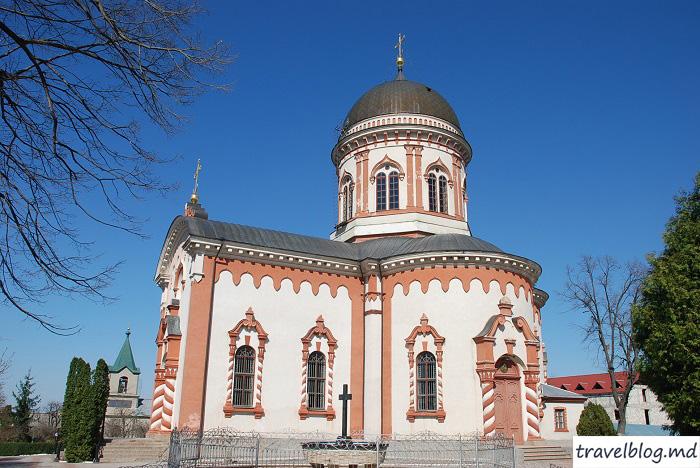 manastirea-noul-neamt-travelblog (19)