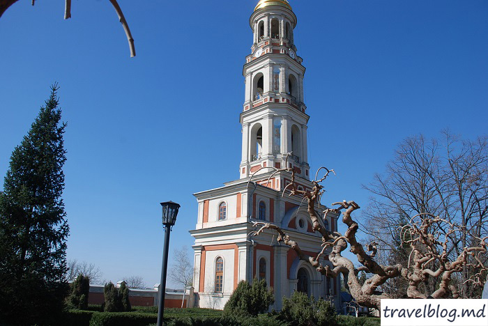 manastirea-noul-neamt-travelblog (6)