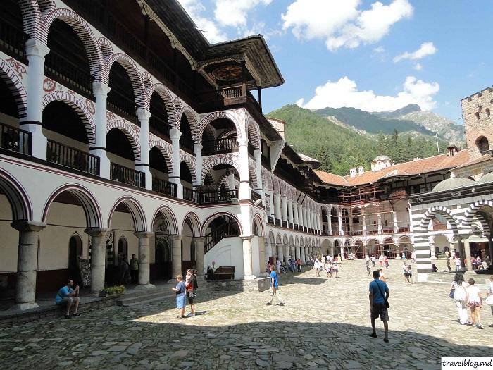manastirea-rila-travelblog (12)
