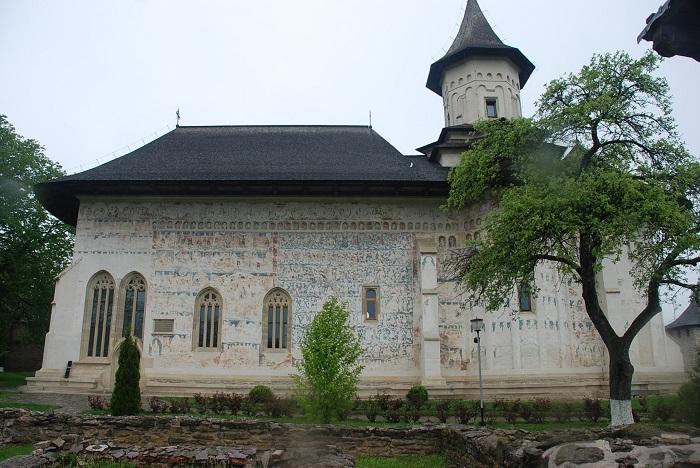 travelblogmd-bucovina-probota (1)