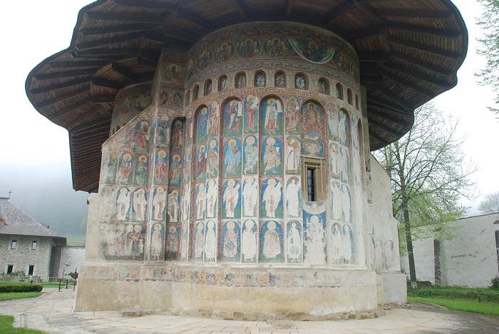 travelblogmd-bucovina-voronet (2)