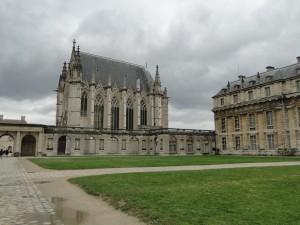 Castelul de Vincennes-unul dintre cele mai conservate fortificaţii medievale din Europa