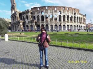 Colosseum-ul din Roma-una dintre Cele Şapte Noi Minuni ale Lumii.