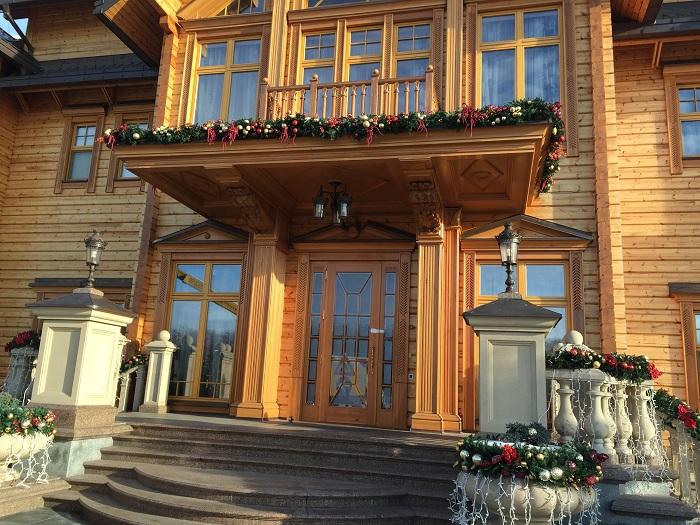 Mezhyhirya Residence-travelblogmd (12)