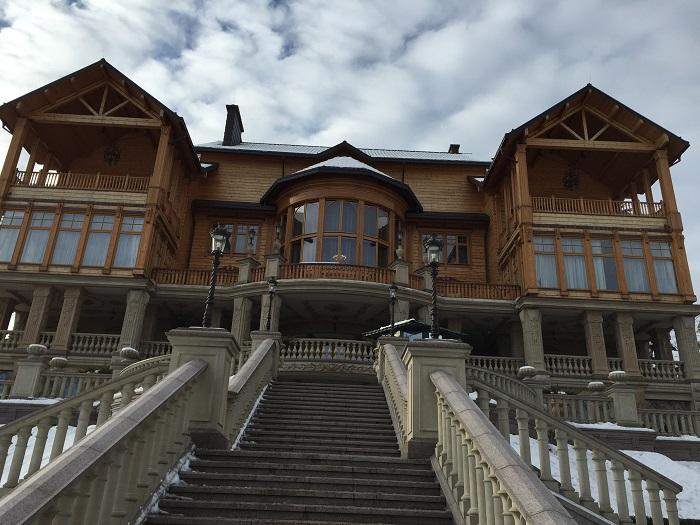 Mezhyhirya Residence-travelblogmd (29)