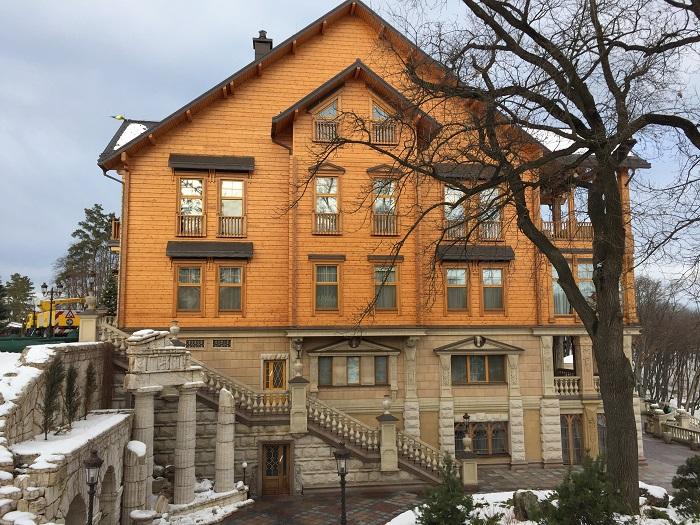 Mezhyhirya Residence-travelblogmd (33)