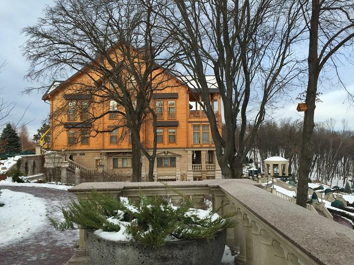 Mezhyhirya Residence-travelblogmd (34)