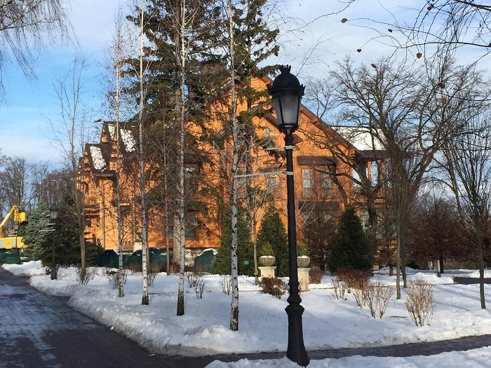 Mezhyhirya Residence-travelblogmd (6)
