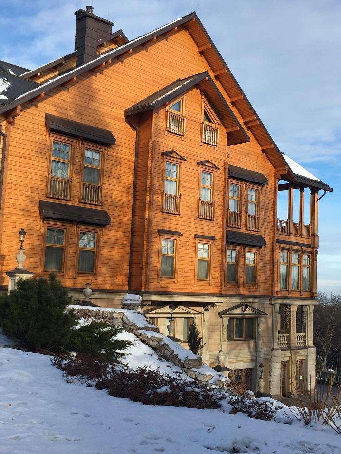 Mezhyhirya Residence-travelblogmd (8)