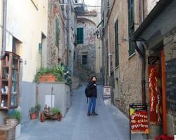 Corniglia-farmecul unui sătuc italian