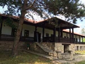 (8) Traseu turistic naţional Nr. 8: Chişinău – Vărzărești – Dolna – Vorniceni – Pănășești – Cojușna – Chișinău