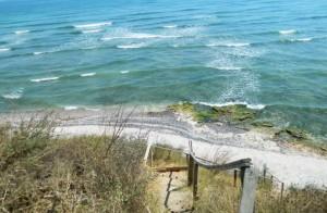 Camping pe plajă–un must do pentru fiecare. Guest post by Janesse Solery