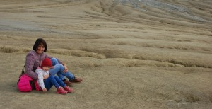 (Video) Impresii de la Vulcanii Noroioşi, o destinaţie necunoscută şi foarte impresionantă