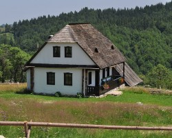 (Română) Una dintre cele mai frumoase case de vacanţă din România- Casa Bunicii