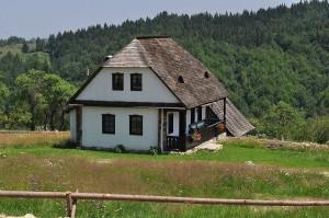 Una dintre cele mai frumoase case de vacanţă din România- Casa Bunicii