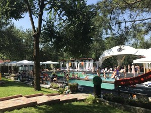 Perfect pentru  un weekend: Sky Land Camping & Resort
