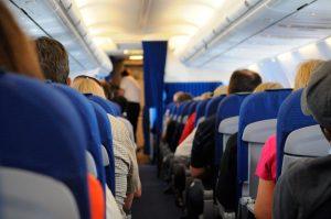 (Română) Câteva reguli de comportament în avion